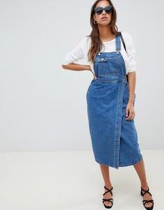 Синий джинсовый сарафан миди ASOS DESIGN - Синий