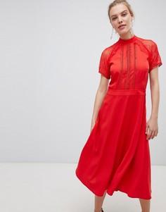 Приталенное платье миди с кружевной отделкой Liquorish - Красный
