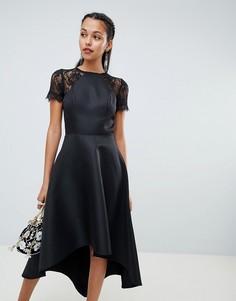 Платье миди с асимметричным краем и кружевными рукавами Chi Chi London - Черный