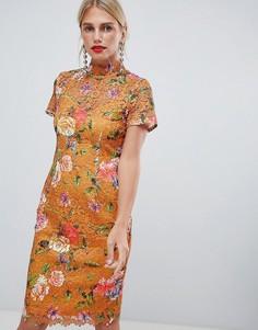 Платье-футляр горчичного цвета с принтом и высоким воротником Paper Dolls - Мульти