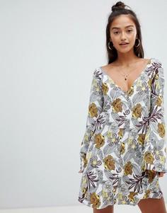 Платье с цветочным принтом Glamorous - Белый
