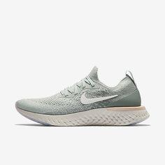 Женские беговые кроссовки Nike Epic React Flyknit