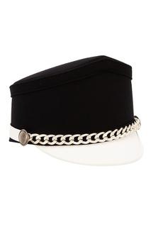 Контрастная шляпа с цепочкой No21