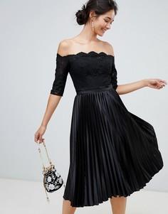 Черное платье миди с кружевным верхом и плиссированной юбкой Chi Chi London - Черный