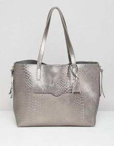 Серая сумка металлик с эффектом змеиной кожи Glamorous - Серый