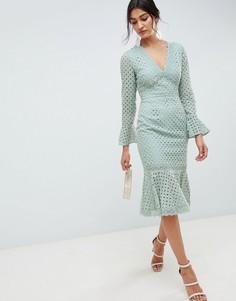 Платье миди с V-образным вырезом, рукавами клеш и вышивкой ришелье ASOS DESIGN - Зеленый