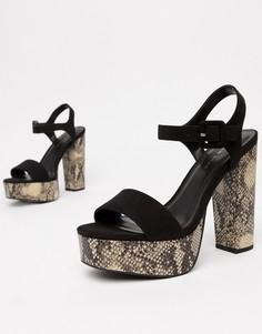 Босоножки на каблуке и платформе с эффектом змеиной кожи New Look - Мульти