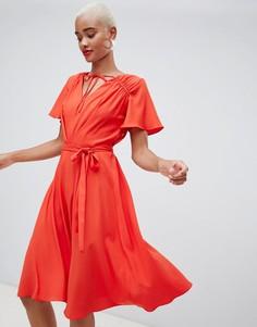 Красное платье миди с поясом River Island - Красный