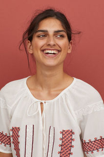 Блузка с вышивкой H&M