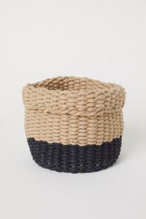 Плетеная корзина H&M