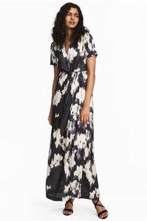 Длинное атласное платье H&M