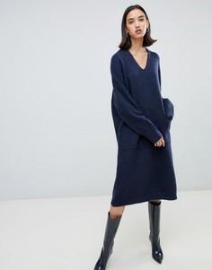 Платье-джемпер с V-образным вырезом Selected Femme - Темно-синий