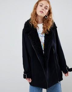 Пальто из искусственной овчины Monki - Черный