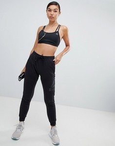 Черные свободные спортивные штаны Reebok - Черный
