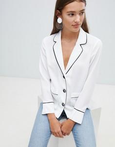 Рубашка в пижамном стиле с карманами и контрастной отделкой New Look - Кремовый