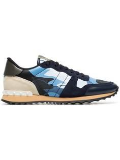 камуфляжные кроссовки 'Rockstud' Valentino