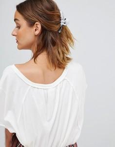 Большая заколка для волос из полимера мраморного цвета ASOS DESIGN - Белый