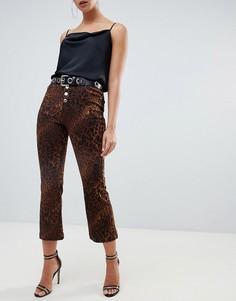 Укороченные расклешенные джинсы с леопардовым принтом Missguided - Коричневый