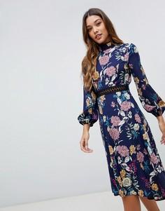 Синее платье миди с открытой спиной и цветочным принтом Boohoo - Мульти