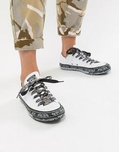 Низкие кроссовки с черно-белым платочным принтом Converse X Miley Cyrus Chuck Taylor All Star - Белый
