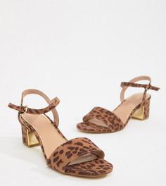 Босоножки для широкой стопы на низком каблуке с леопардовым принтом New Look - Коричневый