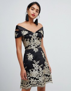 Платье мини с кружевом металлик Chi Chi London Premium - Мульти
