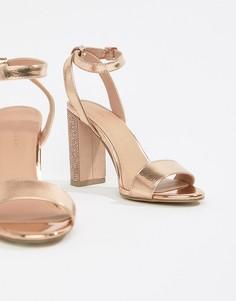 Босоножки на блочном каблуке со стразами New Look - Золотой