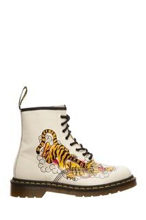 Белые ботинки с принтом Dr Martens