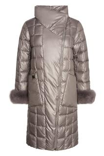 Серо-бежевое пальто с меховой отделкой Mila Marsel