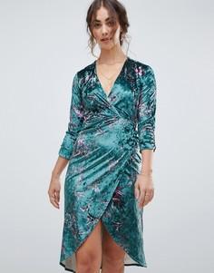 Бархатное платье миди с запахом и длинными рукавами Hope & Ivy - Мульти