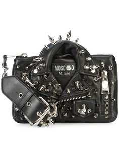 клатч в виде байкерской куртки с заклепками Moschino