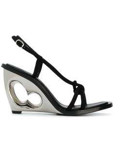 босоножки на стилизованном каблуке Alexander McQueen