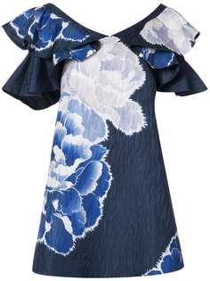 платье с оборками на рукавами и принтом пионов Josie Natori