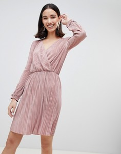 Светло-розовое плиссированное платье с запахом River Island - Розовый