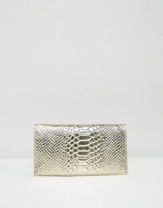 Кожаный кошелек с рисунком крокодиловой кожи и оттенком металлик ASOS DESIGN - Золотой