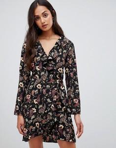 Платье с запахом, оборкой и цветочным узором Parisian - Мульти