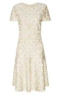 Бежевое платье с узором St. John