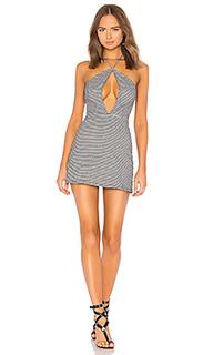 Платье в клетку с вырезами chip - Lovers + Friends
