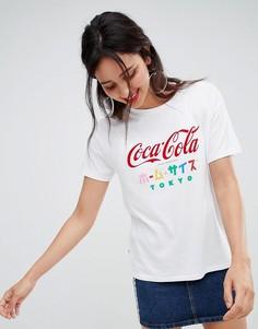 Футболка с принтом Сoca Cola и японской надписью Stradivarius - Белый