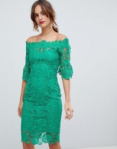 Изумрудно-зеленое платье миди в стиле кроше с открытыми плечами и оборками на рукавах Paper Dolls - Зеленый