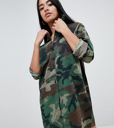 Платье-рубашка с камуфляжным принтом Missguided Petite - Зеленый
