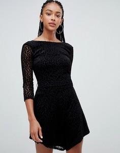 Платье с длинными рукавами и леопардовым принтом Bershka - Черный