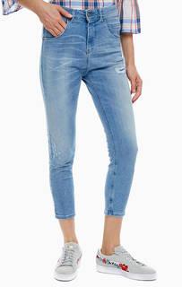 Зауженные джинсы с заплатами United Colors of Benetton