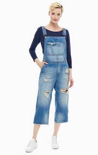 Рваный джинсовый комбинезон United Colors of Benetton