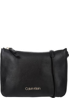 Черная кожаная сумка через плечо Calvin Klein