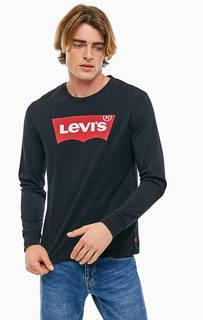 Черная футболка с логотипом бренда Levis