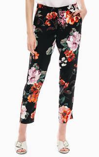 Зауженные брюки с цветочным принтом United Colors of Benetton