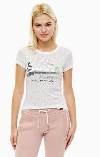 Белая футболка с логотипом бренда Superdry