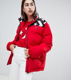 Красная дутая свободная куртка эксклюзивно от Converse - Красный