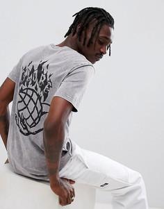 Черная выбеленная футболка с принтом на спине Globe - Черный